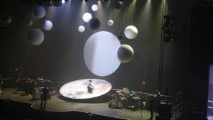 Mika Concert Set © Chris & Liz Clark